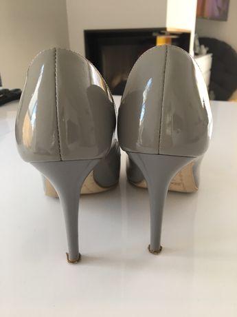 Buty na obcasie, szare, lakierowane, rozmiar 37