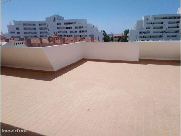 Apartamento T2 situado nos Castelinhos com uma vista fant...