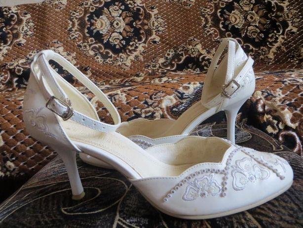 красивые свадебные туфли кожа 36 р