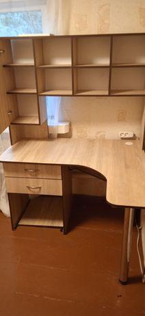 Продам письменный стол, можно использовать под компьютер
