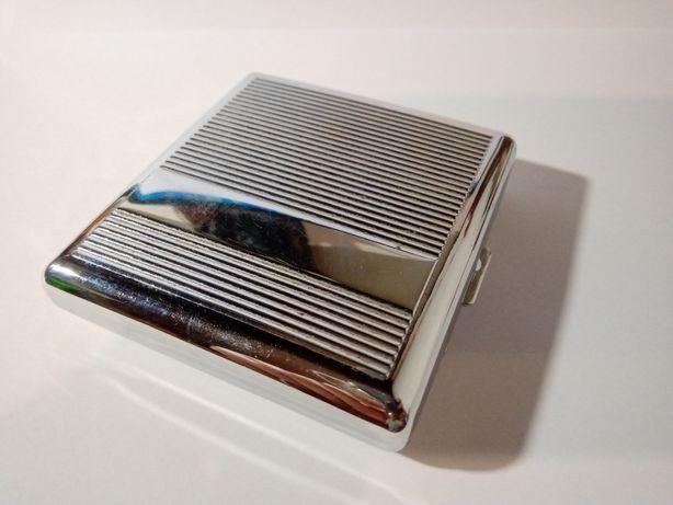 Cigarreira em metal