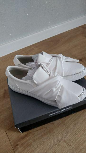 Nowe buty slip on 40