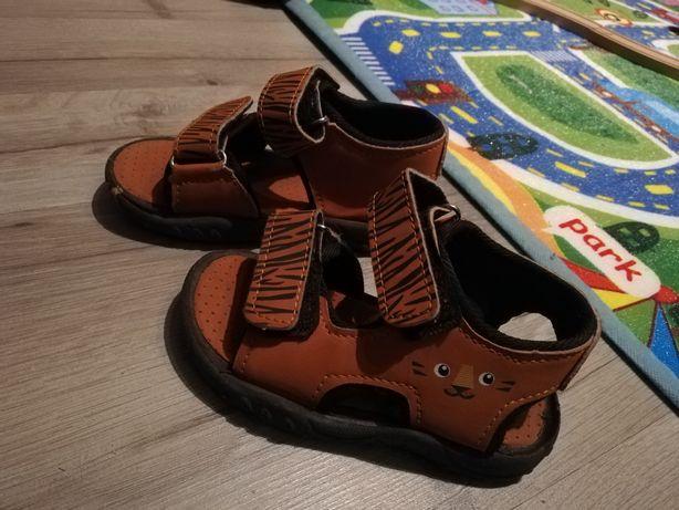 Sandałki pepco rozmiar 22