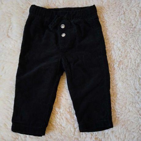 Czarne spodnie chłopięce rozmiar 74