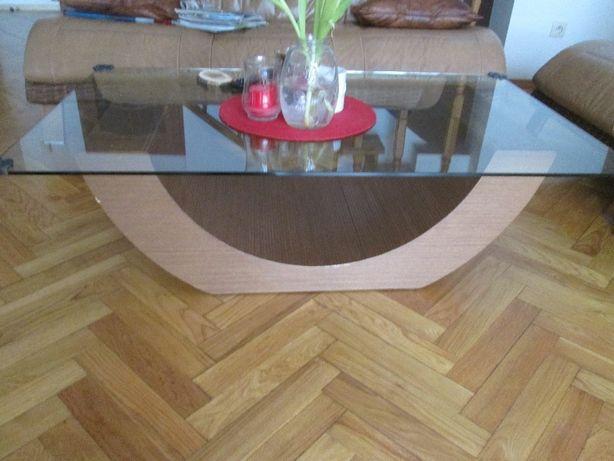stolik kawowy rattan i szkło