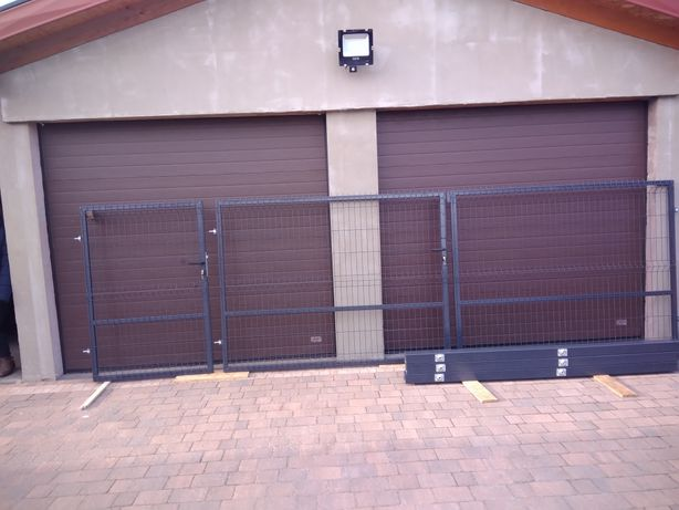 Brama panelowa z furtką