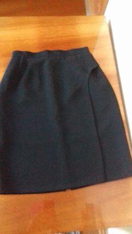 Продам новую черную юбку,юбку-плиссе красивую и сарафан для девочки