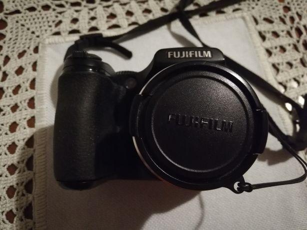 Aparat fotograficzny FUJI S5700 - sprawny