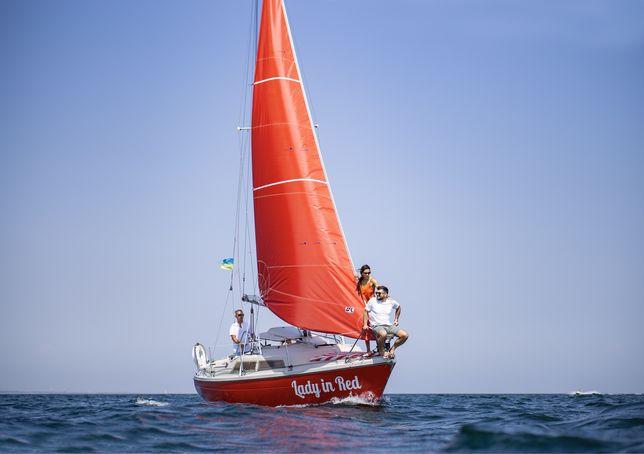 Прогулки на яхте, аренда яхты.