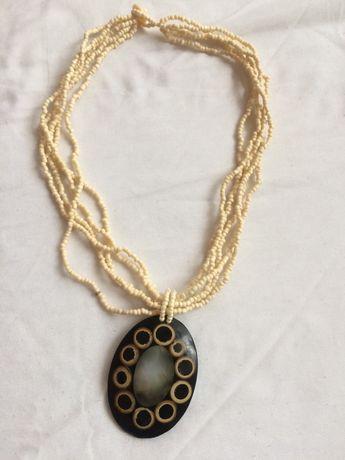 Naszyjnik z wisiorem medalion z macica perłowa