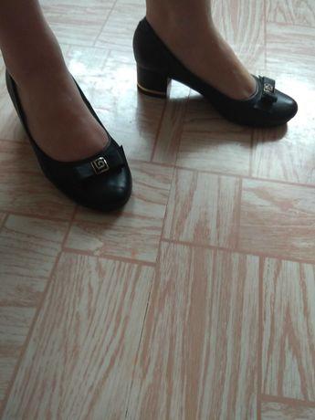 Туфли женские,кожа в отличном состоянии