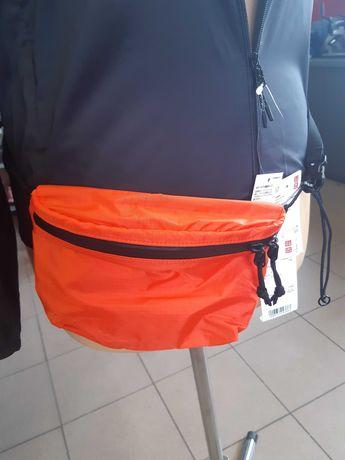 UNIQLO z Japonii. Nerka, torebka, saszetka. Dostępna w dwóch kolorach.