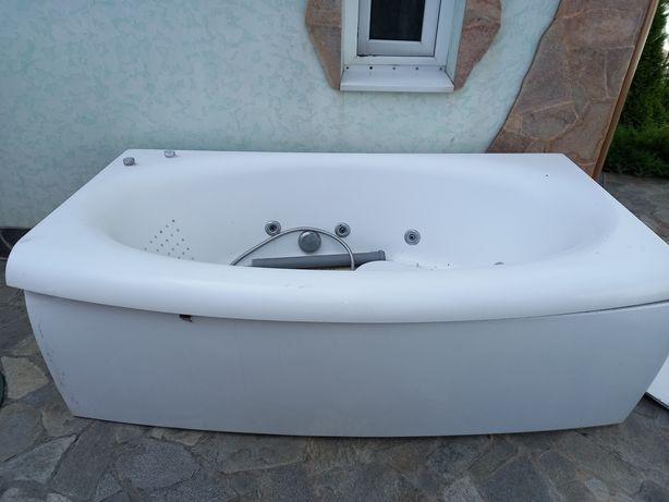 Продам ванну с гидромассажем