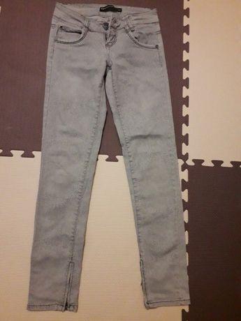 Spodnie terranova r. 146 -152 cm