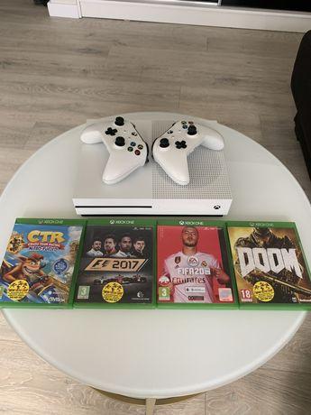 Konsola Xbox One S/ 2 Pady/ 4 Gry