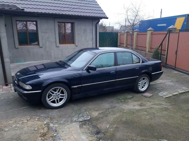 Продам BMW 735i .