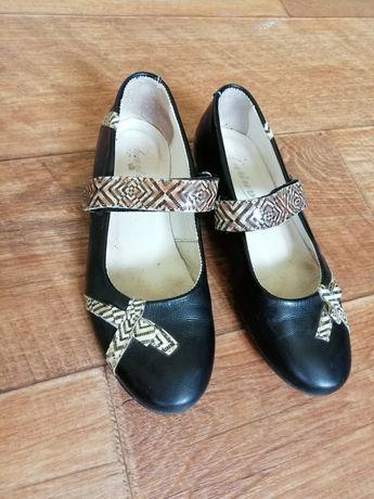 Туфли для девочки 32 р.