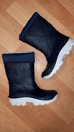 Итальянские демисезонные ботинки(резиновые сапоги утепленные)рр 32-33