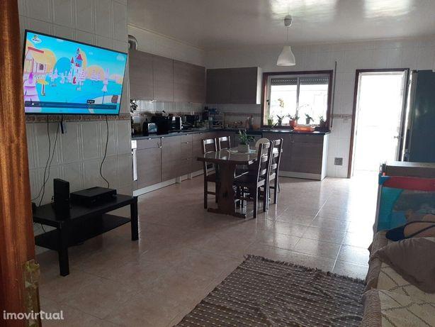 Apartamento T3 Venda em Macieira de Sarnes,Oliveira de Azeméis