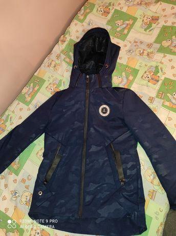 Продам куртку Весна/Осінь (146)