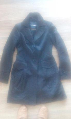 Płaszcz 36 De Facto