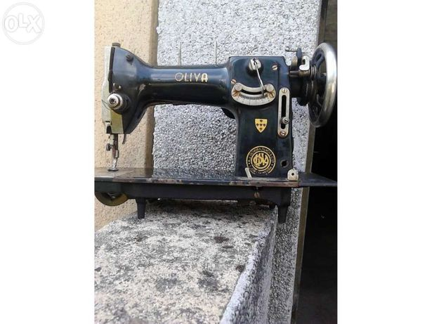 Máquina de Costura Oliva C46