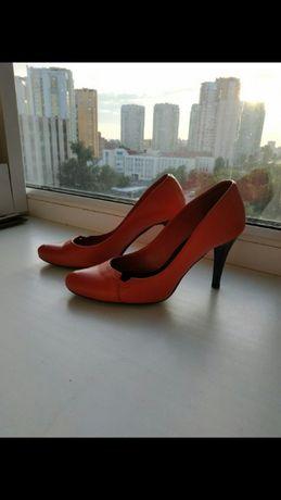 Обалденные кожанные классические туфли