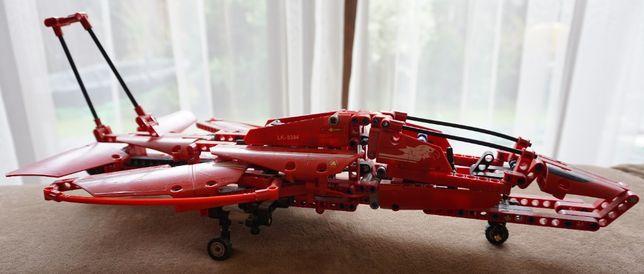 Lego Technic Samolot odrzutowy zestaw.