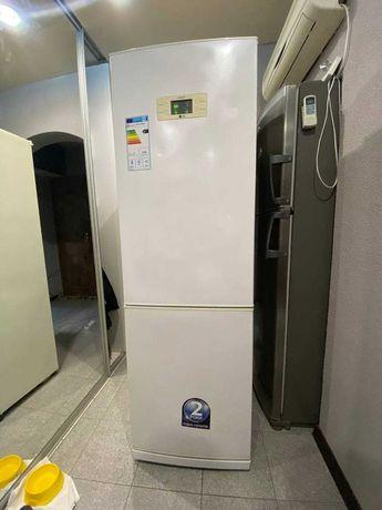 продам 2-х камерный холодильник LG ноуфрост