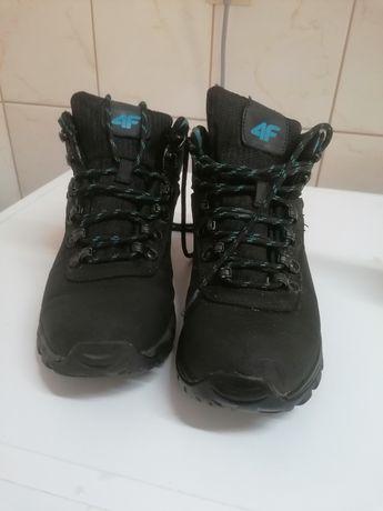 Damskie zimowe buty 4F