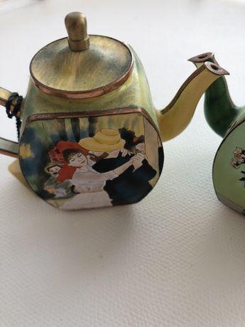 Набор бронзовых чайников сувенирных  италия