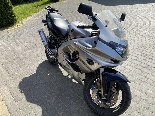 Yamaha yzf600