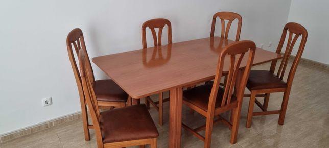 Mesa de sala + cadeiras