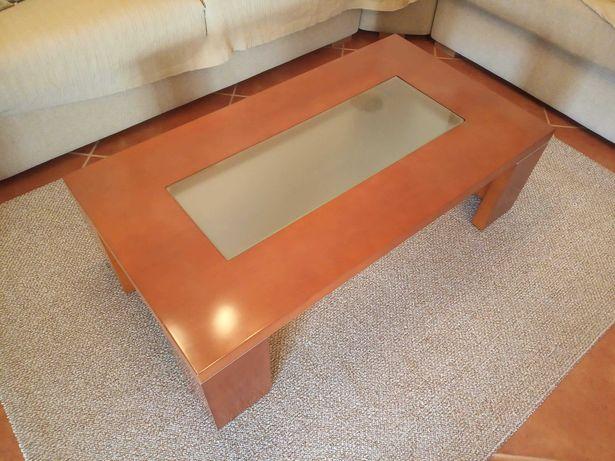 Mesa de centro em cerejeira com vidro (fosco)