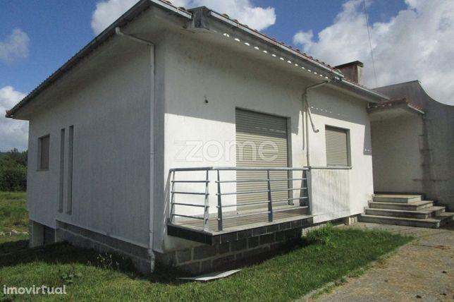 Moradia T4 térrea em Povoa de Lanhoso distrito de Braga