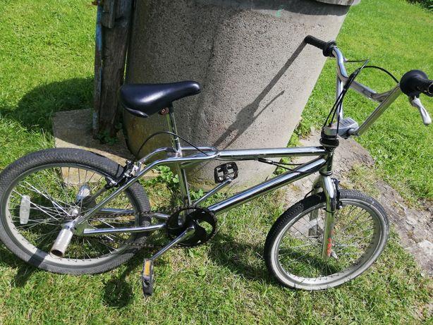 Велосипед BMX у хорошому стані