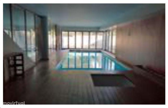 Terreno com moradia, Matosinhos piscina interior