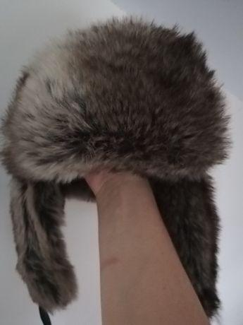 Futrzana czapka zimowa