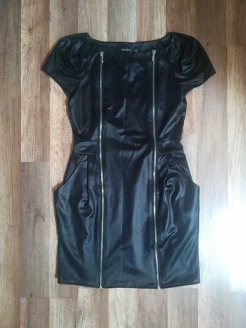 Sukienka czarna z zamkiem 38