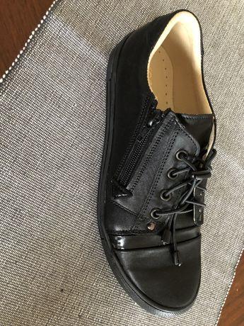 Buty dziecięce, nowe, skóra 100%, 33