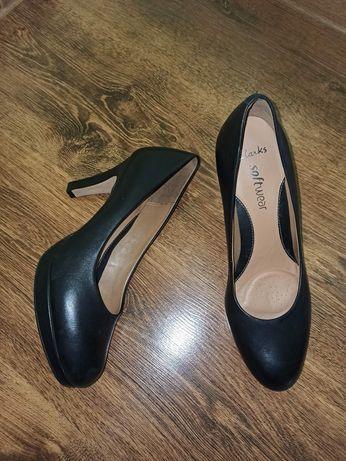 Clarks туфли туфельки на каблуке 38 размер(5'5)