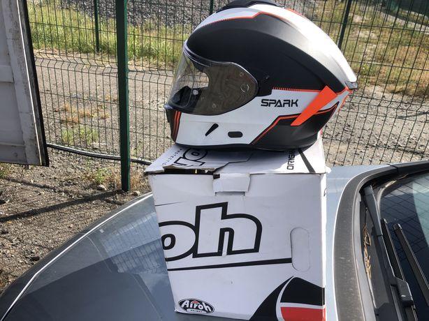 Шлем Airoh spark L в идеальном состоянии проехал 500 км.