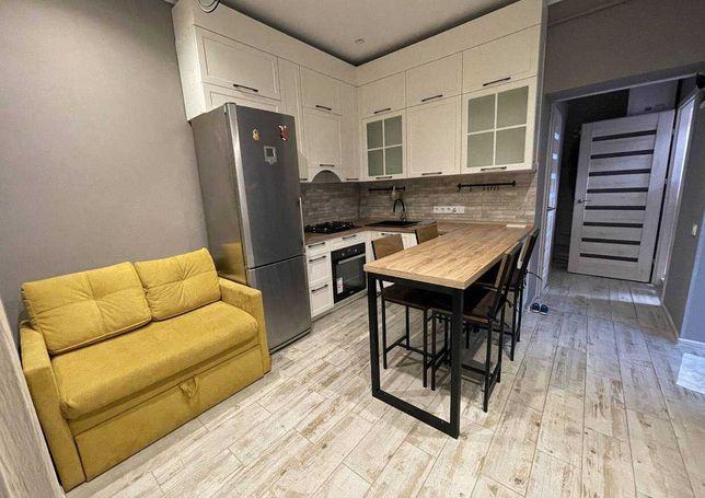 Продається 2-кімнатна  квартира на землі в одеському дворику