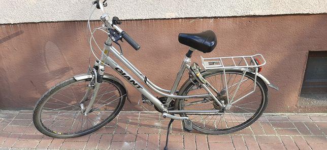 """Damski rower miejski Giant 28"""" aluminium amortyzator"""