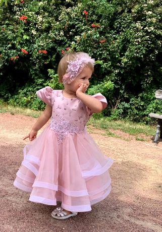 Платье в идеальном состоянии+повязочка на годик-два