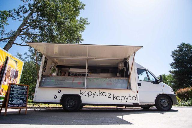 Food Truck po generalnym remoncie na kontenerze
