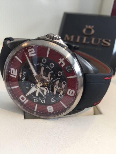 Tirion TriRetrograde Red Carbon, piękny sportowy zegarek, unikat.