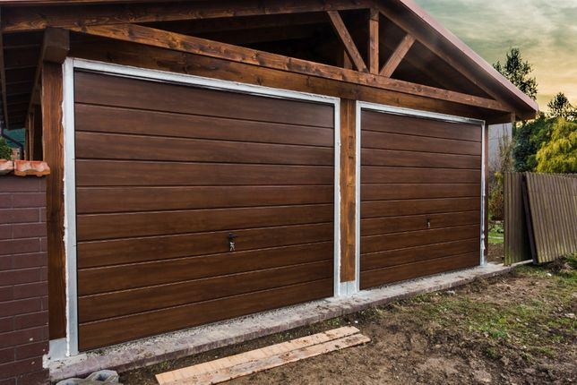Brama Garażowa Uchylna ORZECH | na Wymiar | Producent | Bramy garażowe