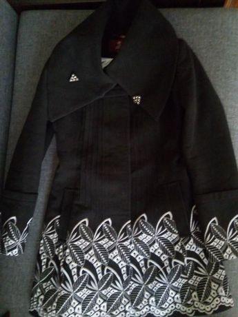 Продам демисезонное женское пальто