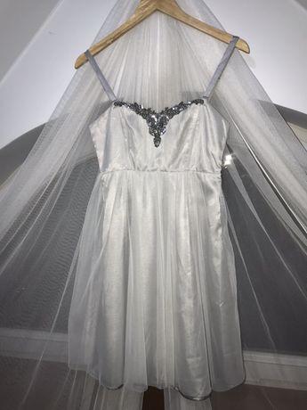 Piękna sukienka z tiulem